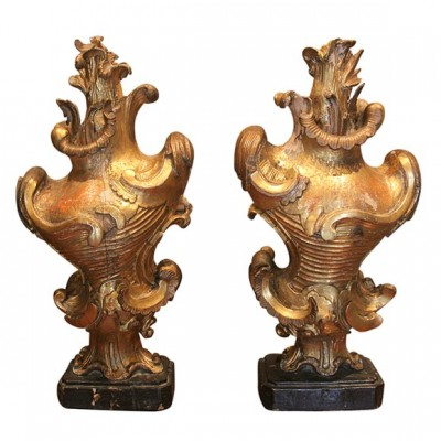 Pair of 16th c. Finials