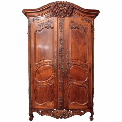 Louis XV Walnut Armoire Du Marriage