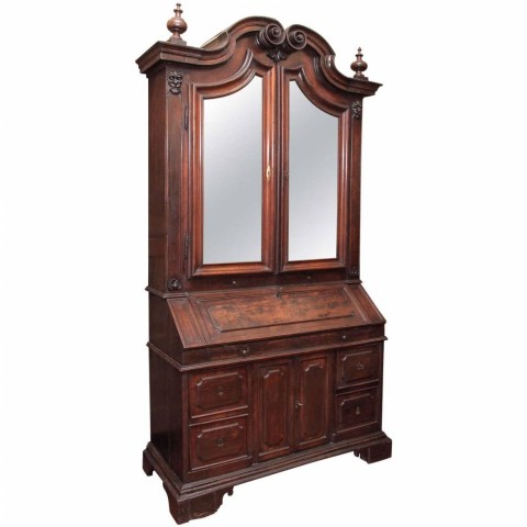 Late 17th Century-Early 18th Century Italian Walnut Secretaire Bookcase
