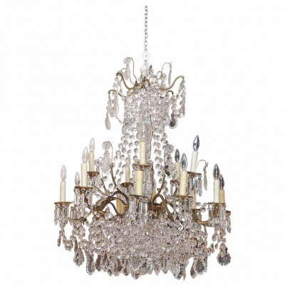 French 19th Century Gilt Iron and Baccarat Crystal Chandelier with 14 Lights